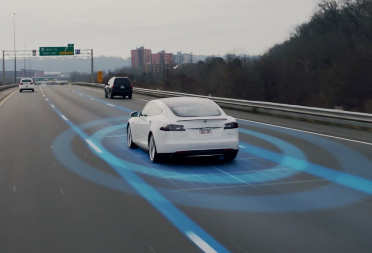 autopilot cars and systems Tesla model s owner joshua brown shared how the car's autopilot feature saved his life the tesla vehicle's autopilot system was quick to avoid a truck abruptly merging into the same lane, preventing a possible collision.