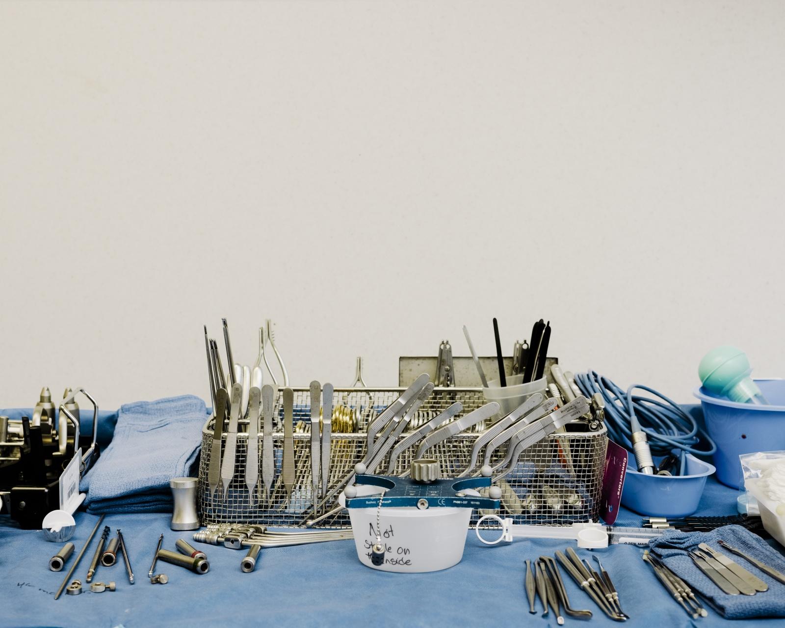 Хирург, собирающийся подключить вас к интернету через мозговой имплантат - 11