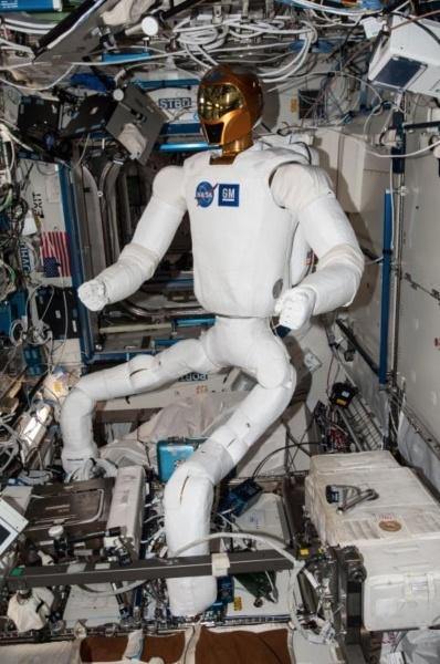 Искусственный интеллект и робот — лучшие друзья космонавта - 3