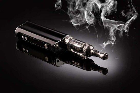 Любители вайпинга со временем становятся курильщиками обычных сигарет