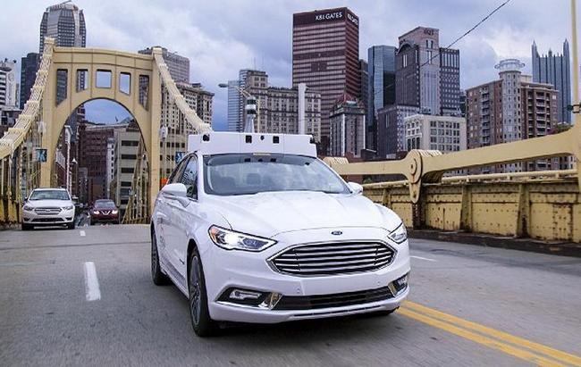 Ford считает гибриды лучше электромобилей, если говорить о беспилотном вождении