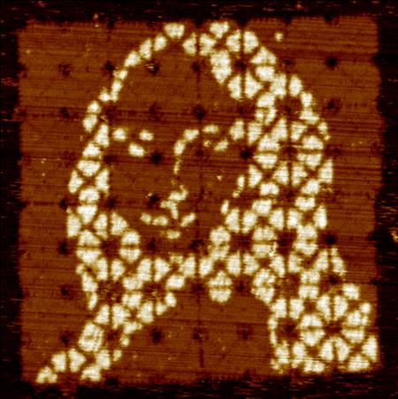 Самую маленькую Мону Лизу в мире создали при помощи ДНК - 2