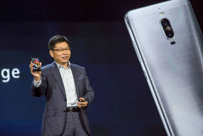 Huawei в следующем году может полноценно выйти на рынок смартфонов США