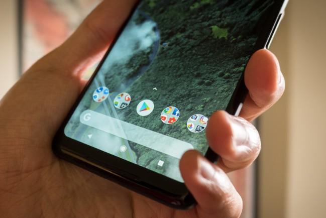 Google решает проблему с замедленным сканером отпечатков пальцев смартфона Pixel 2 XL