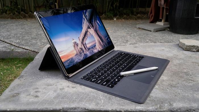 Ноутбук-трансформер Chuwi CoreBook успешно профинансирован и выйдет в марте 2018
