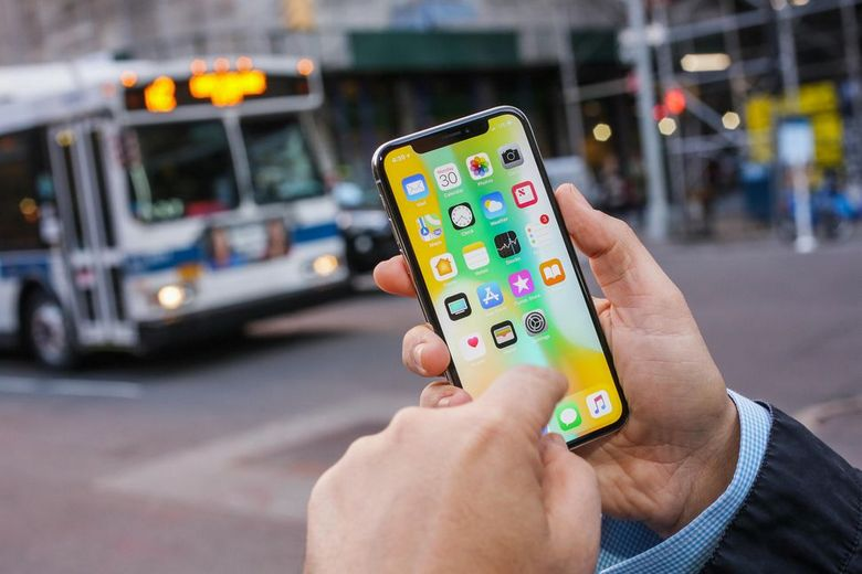 До конца года Apple продаст до 35 млн iPhone X