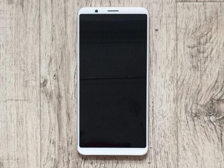 Смартфон OnePlus 5T замечен в белом цвете