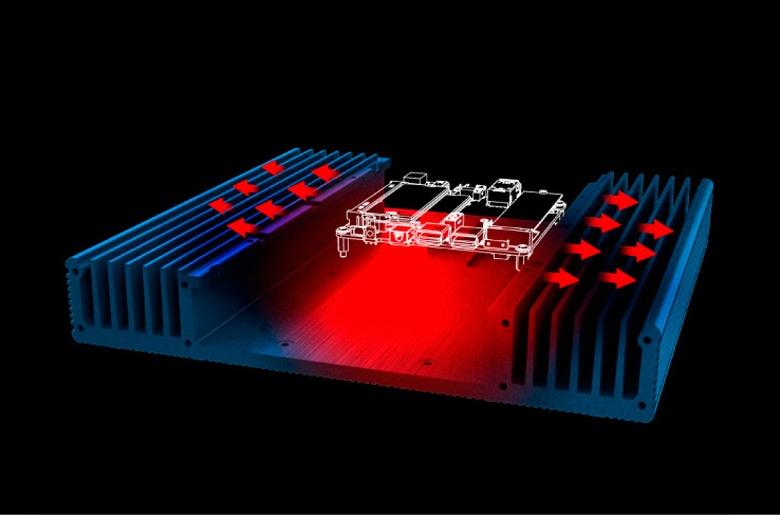 В корпусе Akasa Plato X7D помещается накопитель типоразмера 2,5 дюйма