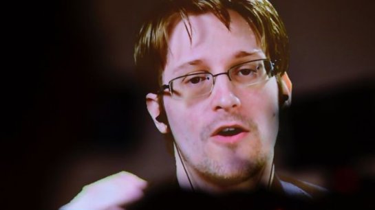 Приложение Эдварда Сноудена «ловит шпионов»