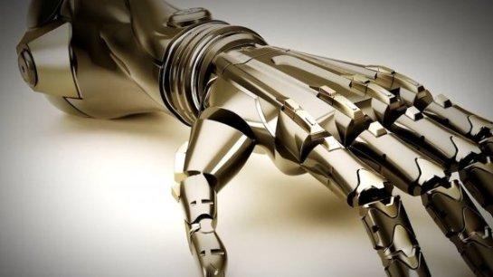 Итальянка первой смогла использовать бионический протез руки