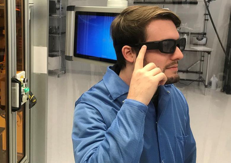 Vuzix привезет на CES первые очки дополненной реальности с поддержкой Alexa
