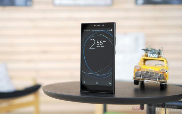 Представлен бюджетный смартфон Sony Xperia L2