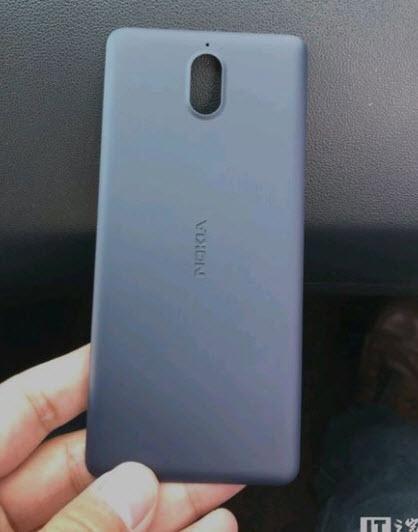 Опубликованы фотографии смартфона Nokia 1
