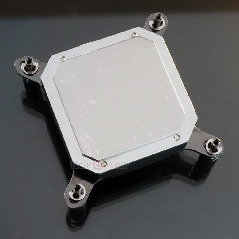 Основания Phanteks Glacier C350iP и C350AP изготовлены из меди и никелированы