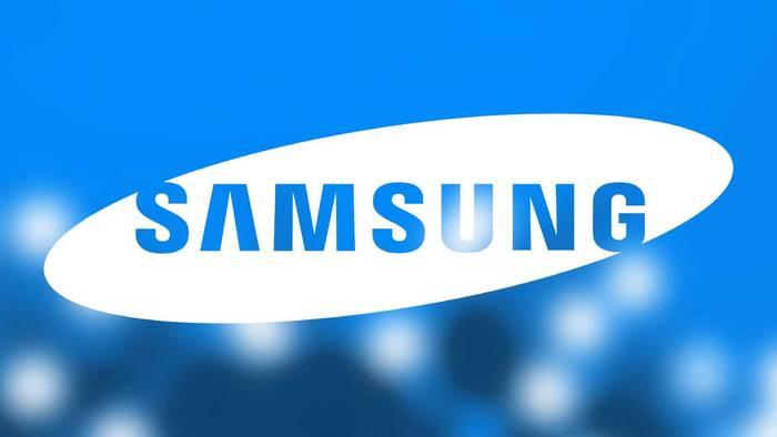 Samsung показала за закрытыми дверьми на CES 2018 сгибающиеся смартфоны