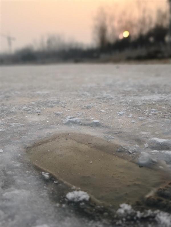 Смартфон Huawei Mate 10 Pro оказался очень устойчивым к морозу