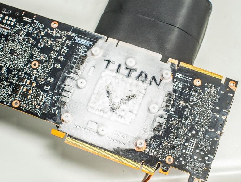 Kingpin поставил новый рекорд, используя четыре Titan V