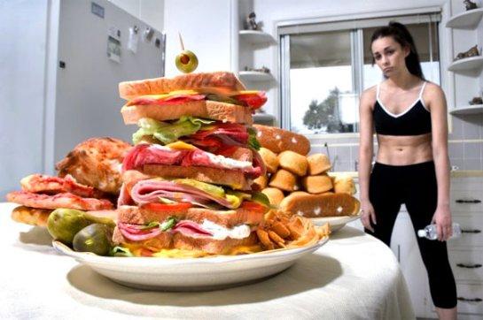 Ученые рассказали, какие люди, в основном, переедают