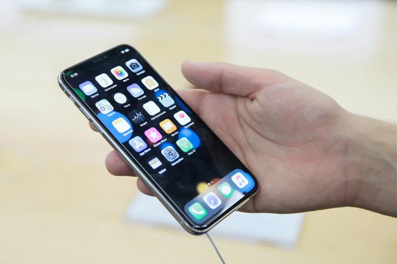 Владельцам iPhone X сложно отвечать на звонки