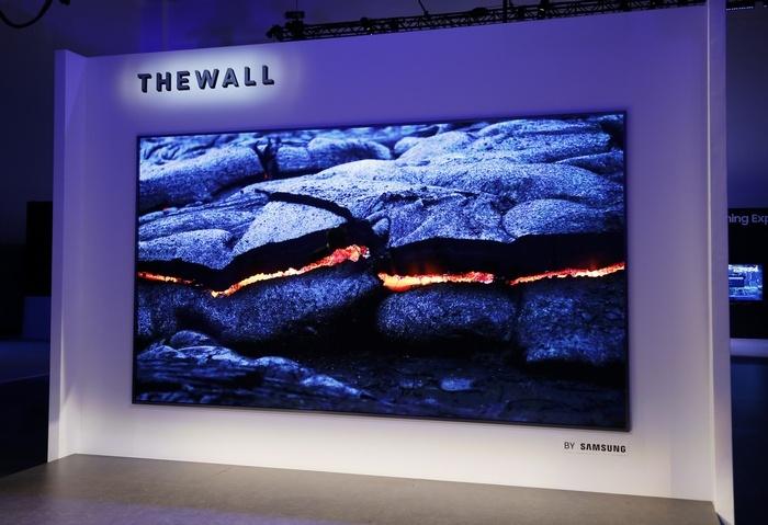 Samsung выбрала эксклюзивного поставщика панелей microLED для новых телевизоров