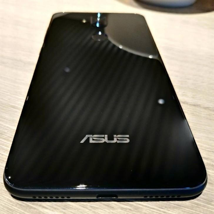 Смартфон Asus Zenfone 5 Lite засветился на живом фото