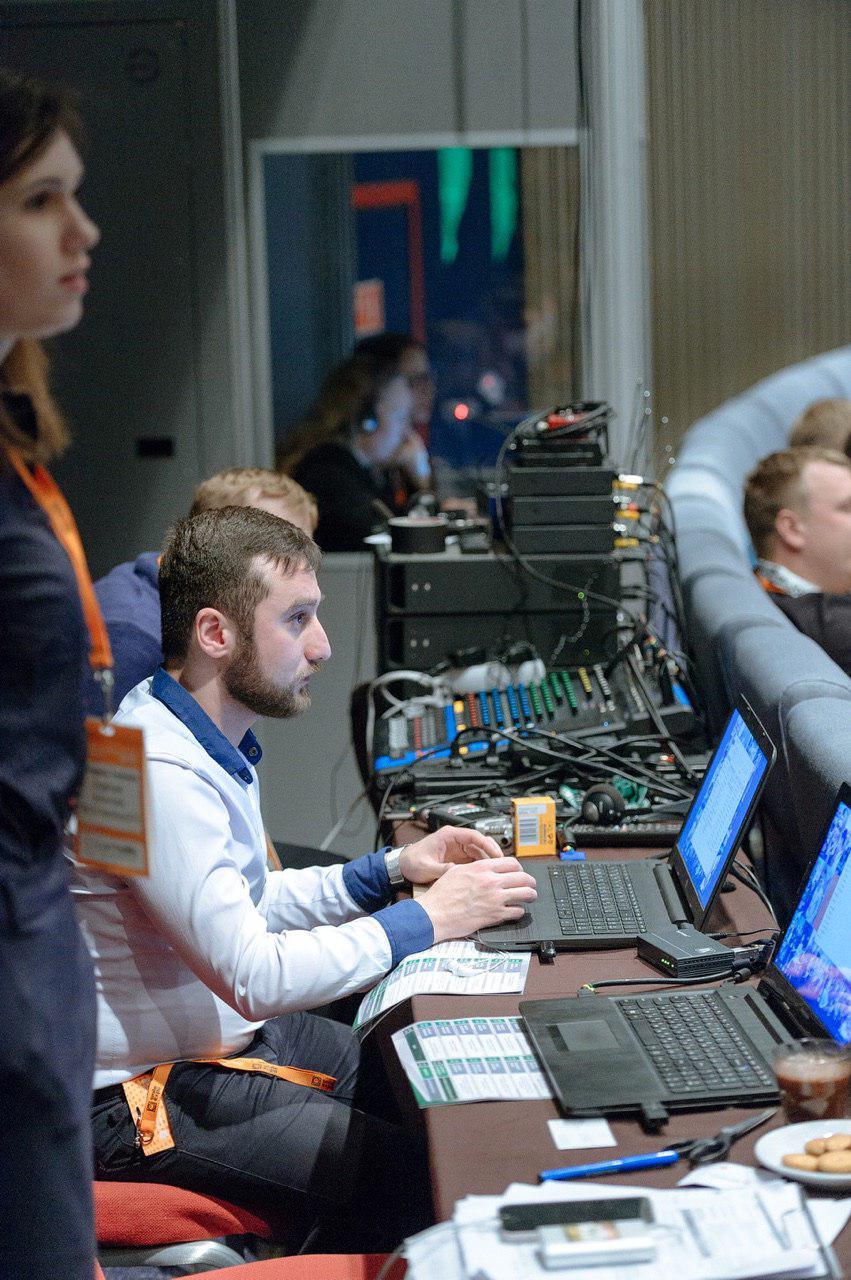 Заработок криптобиржи, торговля через брокера и HyperLedger Fabric: о чем говорили на блокчейн-конференции в Петербурге - 17