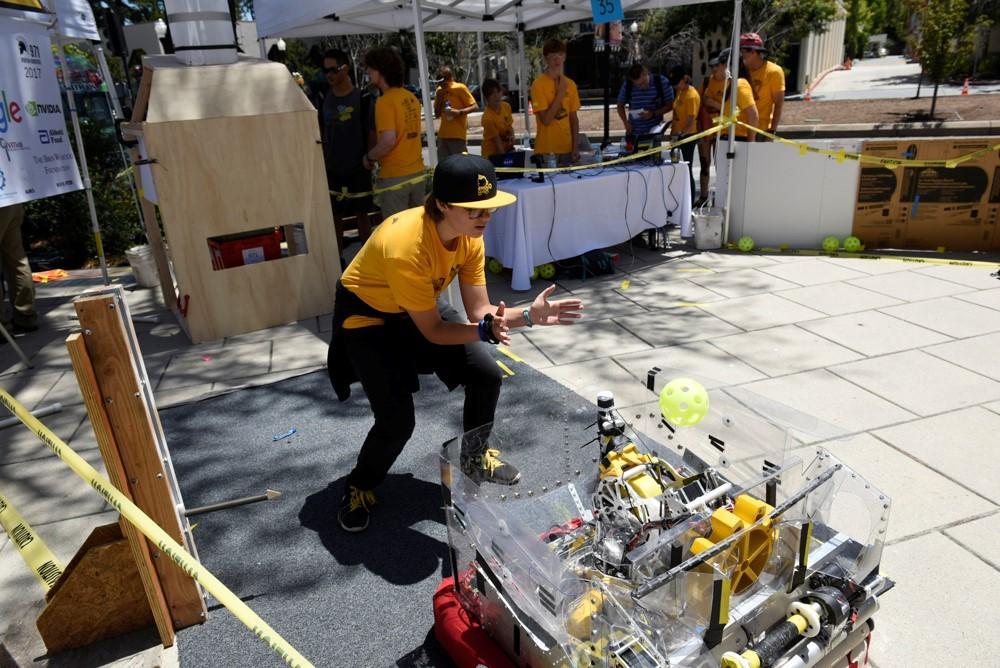 Как клуб робототехники в Силиконовой долине помогает подготовить новое поколение инженеров - 2