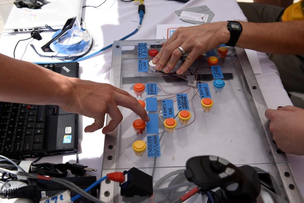 Как клуб робототехники в Силиконовой долине помогает подготовить новое поколение инженеров - 3