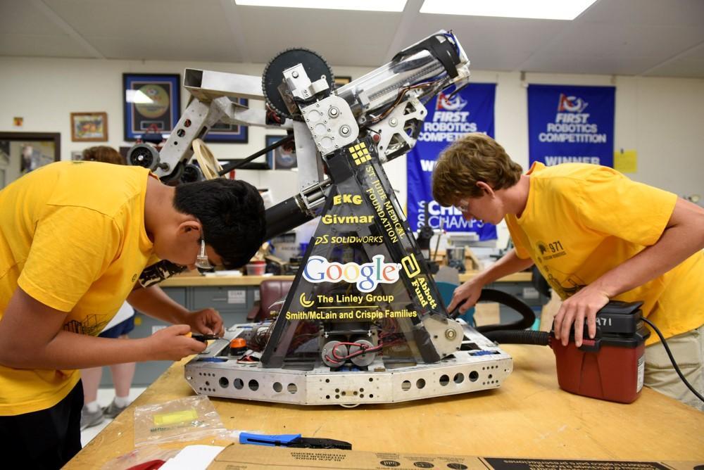 Как клуб робототехники в Силиконовой долине помогает подготовить новое поколение инженеров - 4