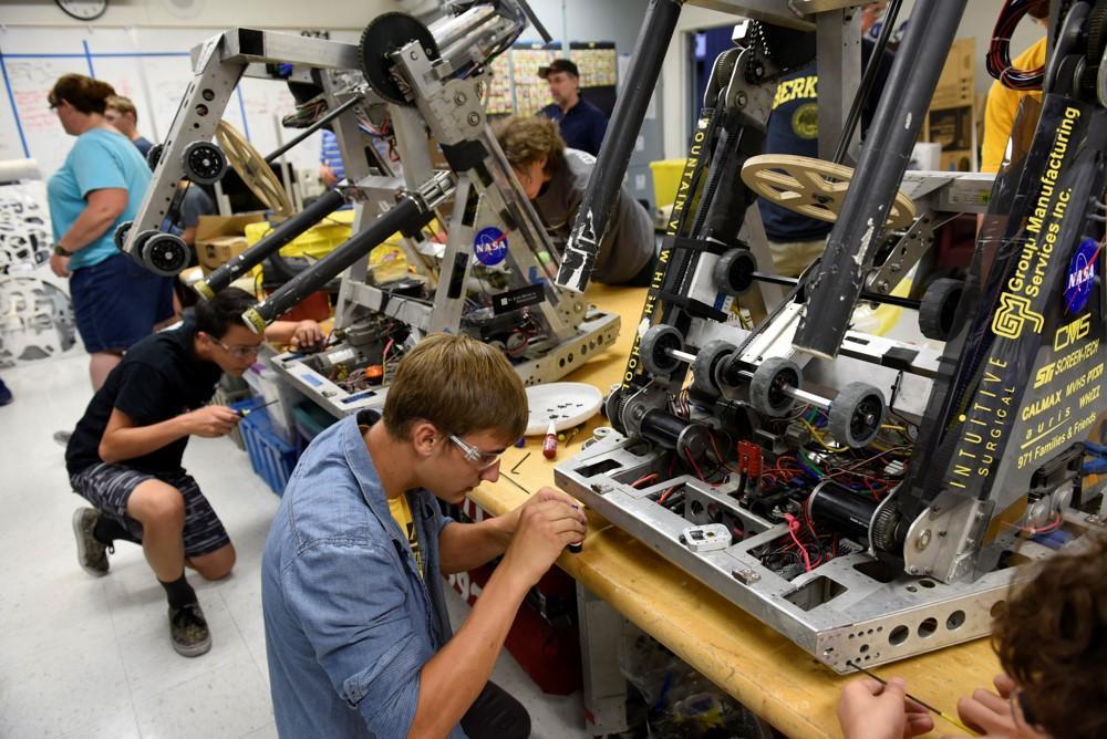 Как клуб робототехники в Силиконовой долине помогает подготовить новое поколение инженеров - 5