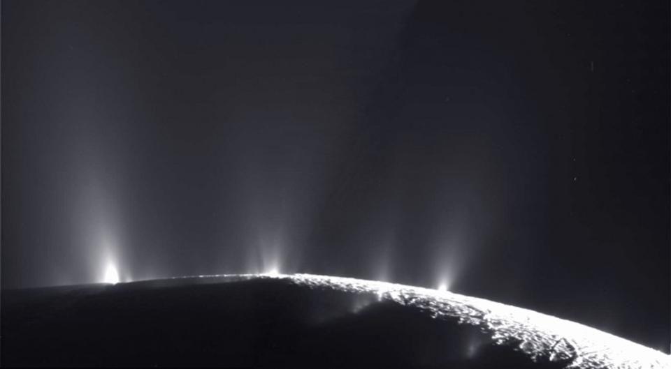 Спросите Итана: откуда на замёрзших планетах жидкая вода? - 9