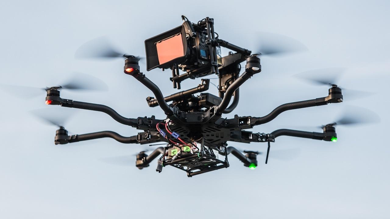 Какие дроны используют в мировом кинематографе - 4