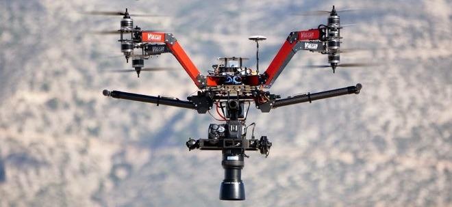 Какие дроны используют в мировом кинематографе - 7