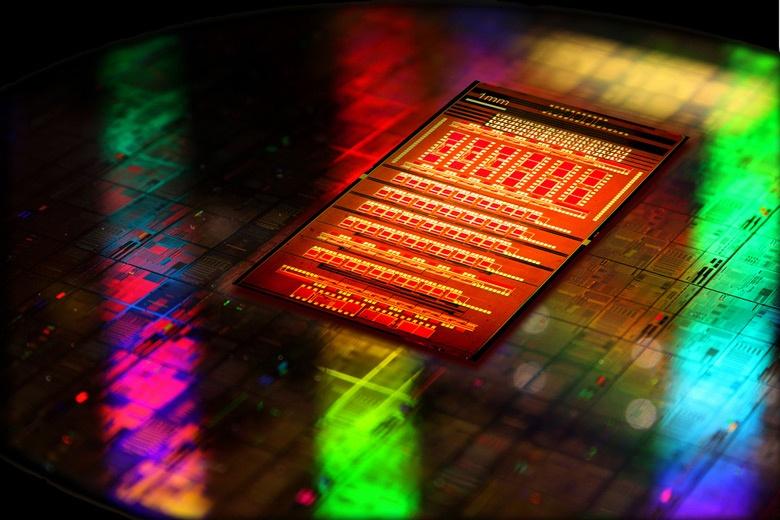 GlobalFoundries готова выпускать кремниевые изделия с интегрированными фотонными цепями по нормам 90 нм
