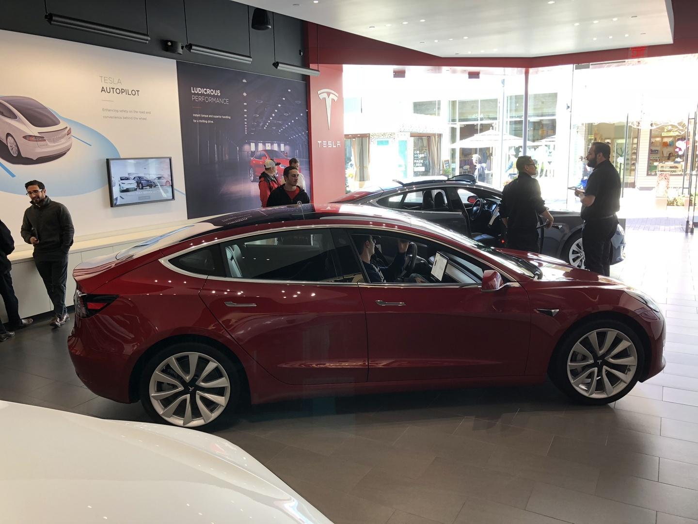 Знакомство с Tesla Model 3 - 11