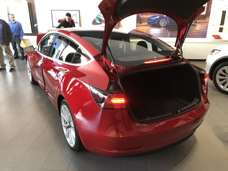 Знакомство с Tesla Model 3 - 13