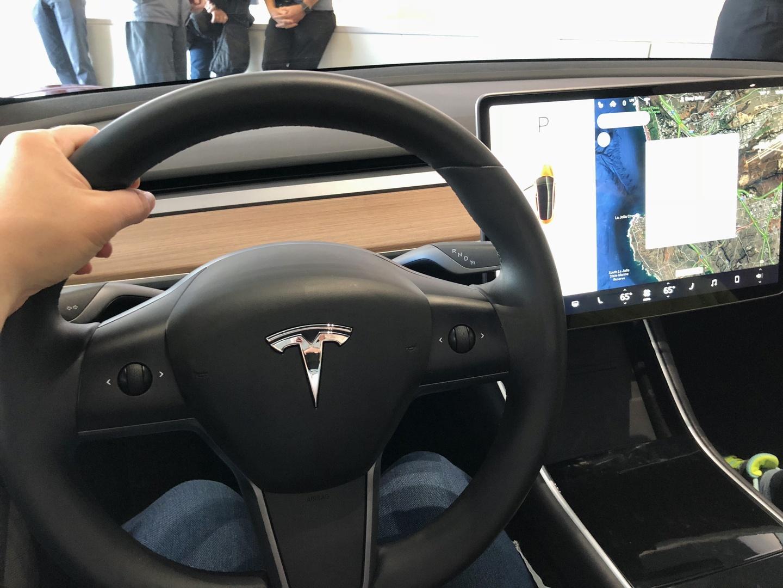 Знакомство с Tesla Model 3 - 16