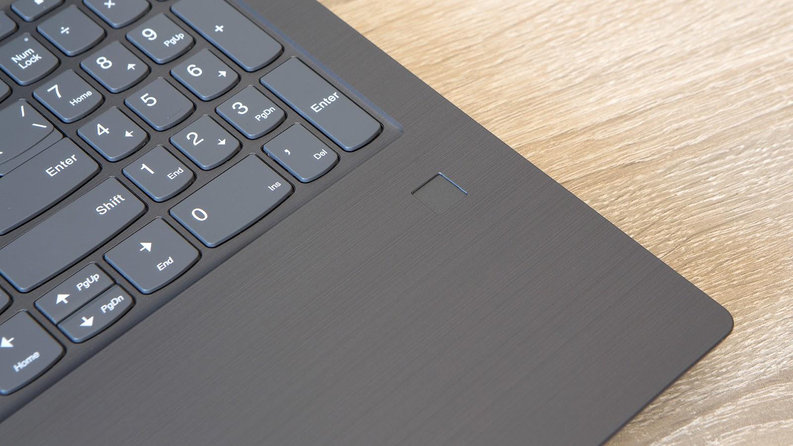 Обзор ноутбука Lenovo V330-15: надёжный офисный трудяга - 5