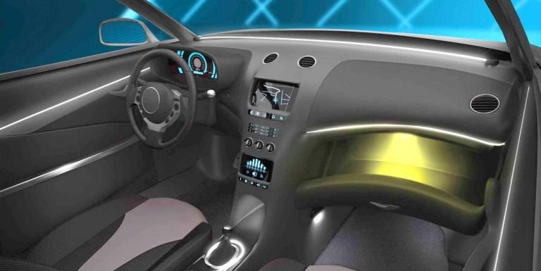 Согласно новым данным, Mercedes-Benz будет использовать гибкие панели OLED, начиная с первого полугодия 2020 года