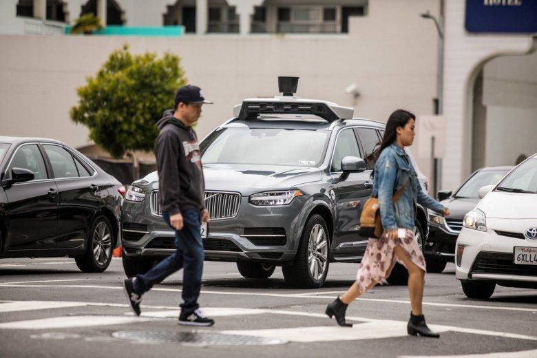 Видео из беспилотного автомобиля Uber, который сбил пешехода, указывает на то, что не всё так однозначно с виной машины - 1
