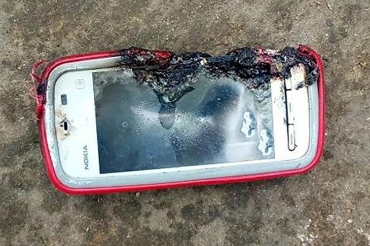Взрыв смартфона Nokia 5233 привел к смерти девушки в Индии