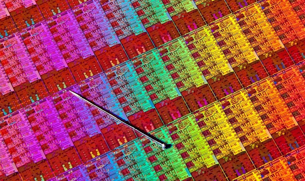 «Без Meltdown и Spectre»: Intel перепроектирует свои процессоры - 1