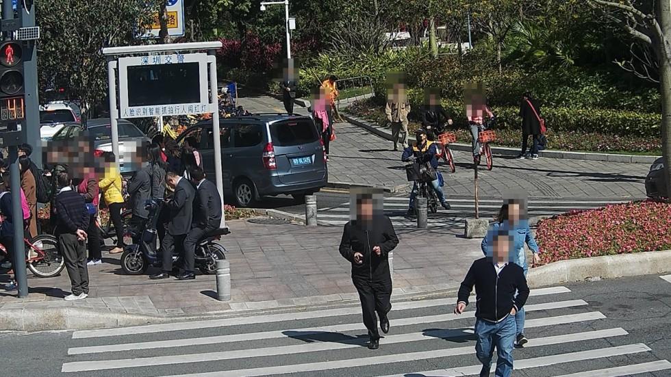 С нарушителями ПДД в Шэньчжэне планируют бороться при помощи SMS - 2