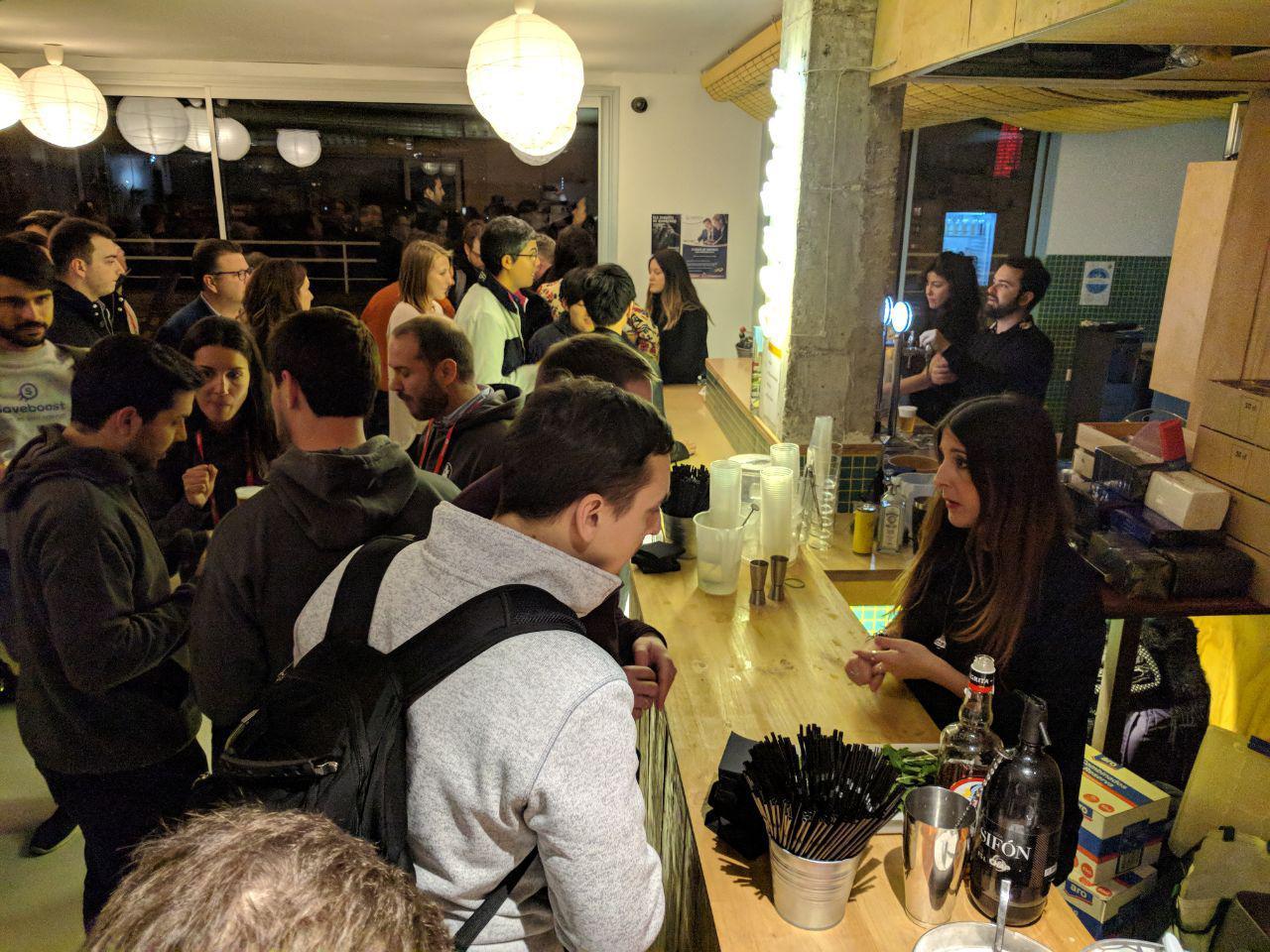 Зачем ездить на Mobile World Congress в Барселону и как все сделать правильно - 15