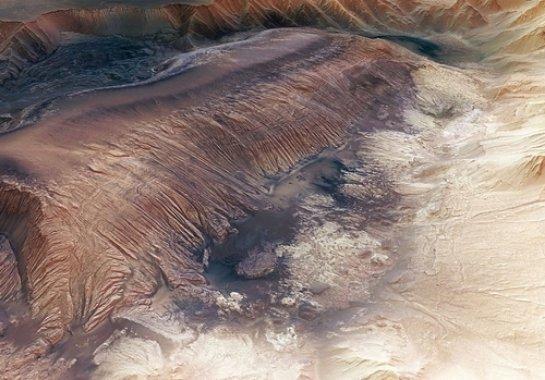 На Марсе обнаружили нефтяные залежи