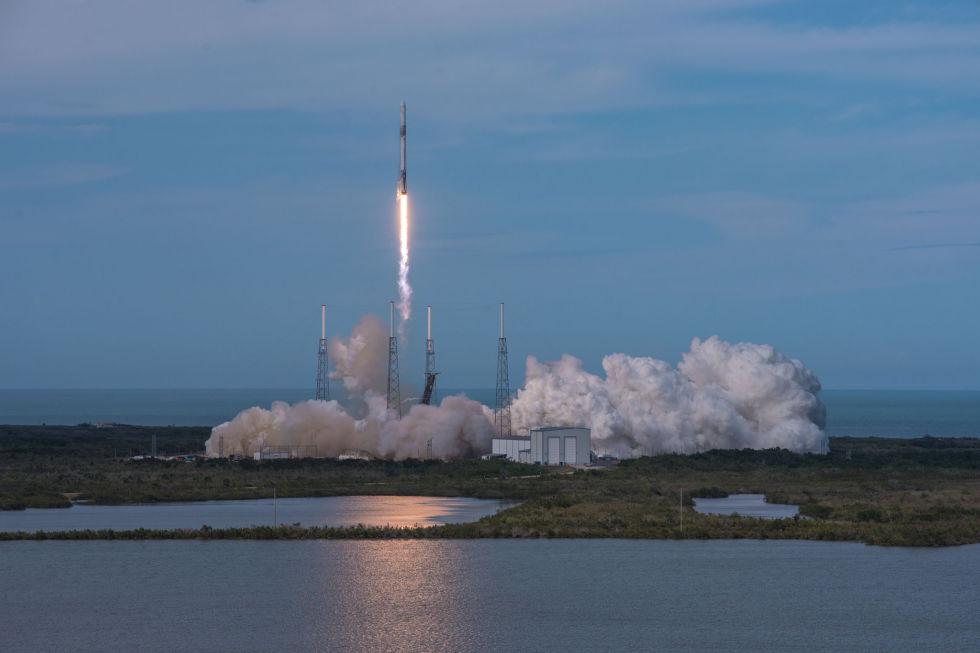 SpaceX достигла рекордной частоты пусков ракет: один раз в две недели - 1