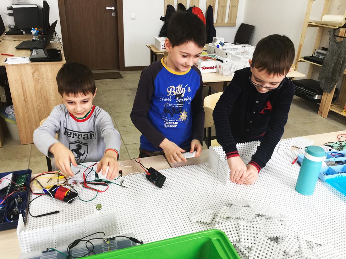 Как мы открывали детский центр робототехники в небольшом городке - 1