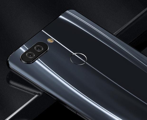 Смартфон Hisense V+ получил Snapdragon 660, обе камеры с диафрагмой F/1,8 и наушники JBL