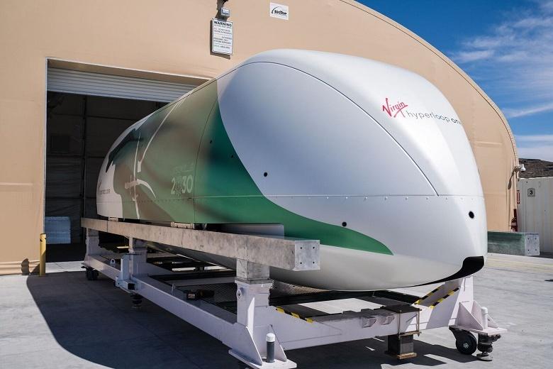Virgin Hyperloop One показала капсулу Hyperloop Pod, а также, возможно, указала примерную дату запуска первой полноценной линии - 2