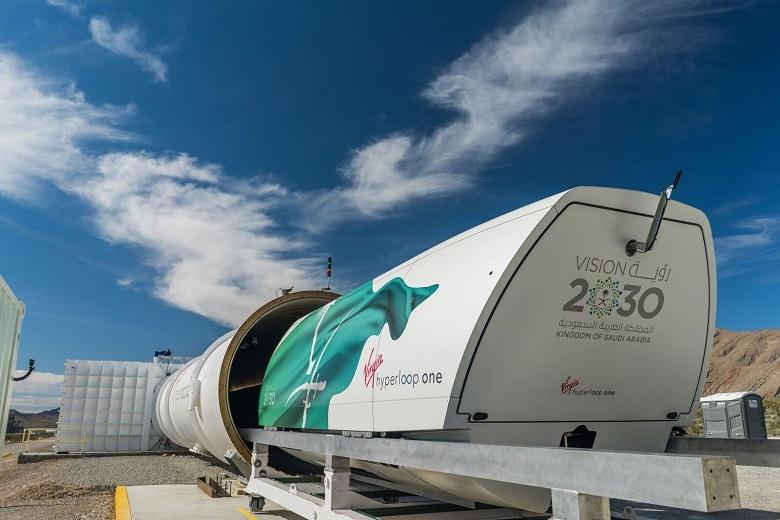 Virgin Hyperloop One показала капсулу Hyperloop Pod, а также, возможно, указала примерную дату запуска первой полноценной линии - 1